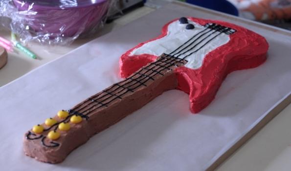 guitarcake2